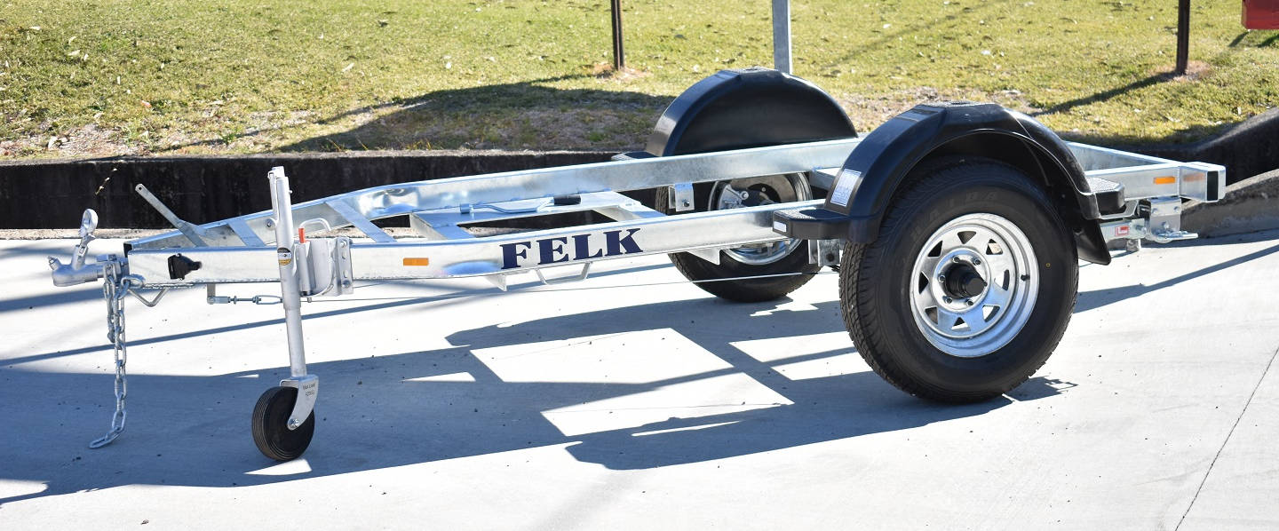 side of felk generator trailer with no payload